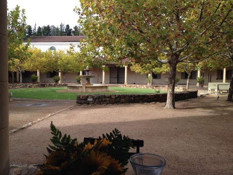 Tasting on a fall day in the courtyard at Waterford, with a view of the iconic fountain
